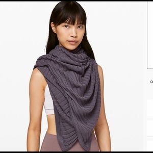 Rejuvenate scarf wrap transformational LULULEMON